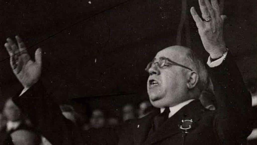 Manuel Azaña dando un discurso